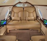 falcon_10_jet_aircraft_N715JC_cabin-3mb.jpg