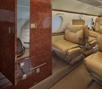 falcon_10_jet_aircraft_N715JC_closet-3mb.jpg
