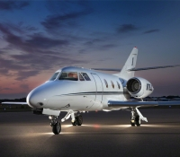 falcon_10_jet_aircraft_N715JC_front-3mb.jpg