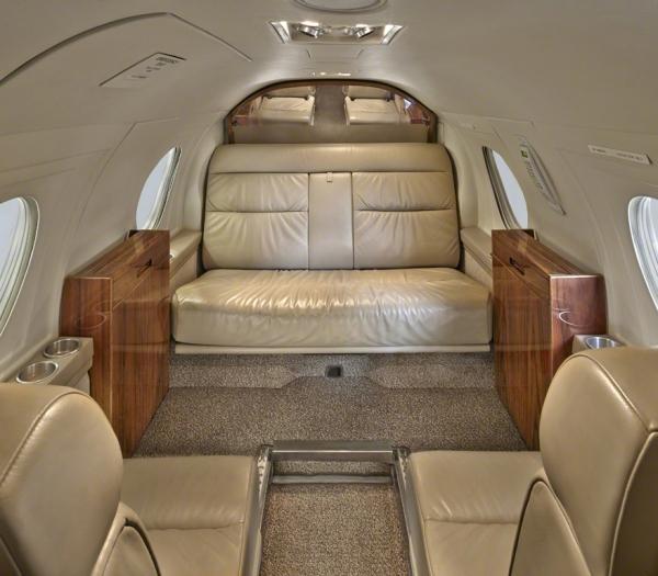 Falcon_10_jet_Clubjet_9'15_N908TF_cabin_a-3mb