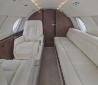 Falcon_20_Jet_N200WK_4'15_divan_seat-1mb