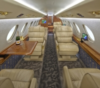 Falcon_50_Jet_ClubJet_9'15_N850EP_cabin_champagne-60mb