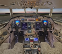 Falcon_50_Jet_ClubJet_9'15_N850EP_cockpit-60mb